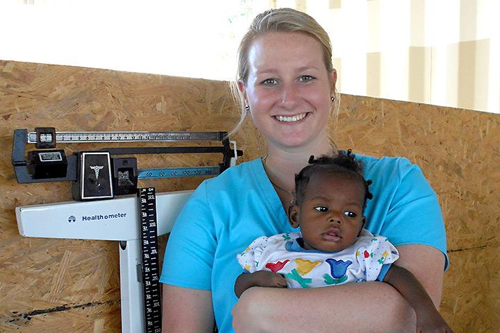Kaeli-with-haitian-child