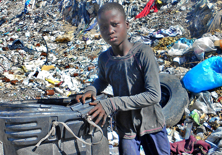 Children are eating from garbage dumps