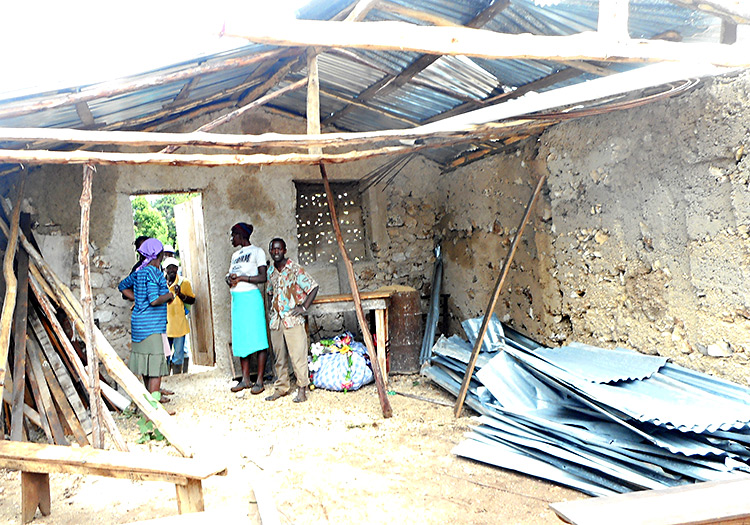 collapsed-house-peyi-pouri