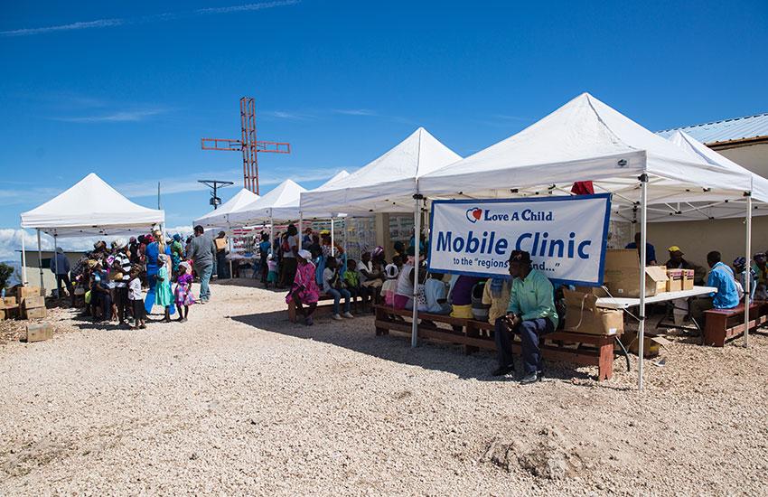 Mobile Medical Clinic in Peyi Pouri, Haiti