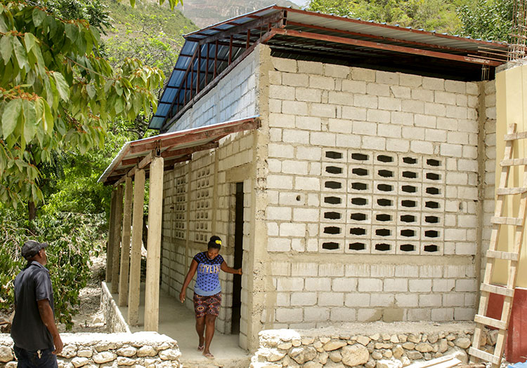 Construction of two new buildings with additional classrooms in the mountains of Lastik.