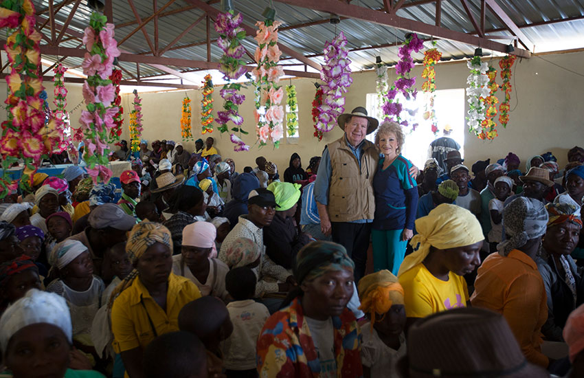 Bobby and Sherry gather with the poor people of Peyi Pouri for a Mobile Medical Clinic.